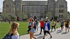 Mỹ đề xuất chỉ cấp thị thực 2 năm cho sinh viên nước ngoài