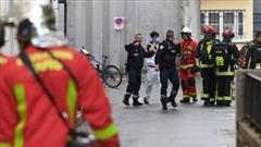 Pháp xác nhận yếu tố khủng bố trong vụ tấn công bằng dao gần Văn phòng cũ tạp chí Charlie Hebdo
