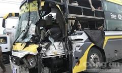 Xe giường nằm tông đuôi xe tải, tài xế tử vong, nhiều hành khách bị thương