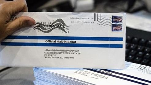 Hé lộ danh tính người vứt phiếu bầu cho ông Trump vào thùng rác