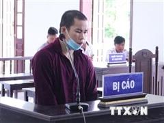 Giết người vì tranh giành micro khi hát, lĩnh án 19 năm tù