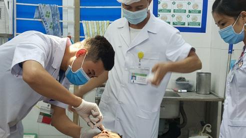 Tuyên Quang: Cấp cứu khẩn nam thanh niên dân tộc H'mông tắc ruột do ăn chuối rừng trừ bữa