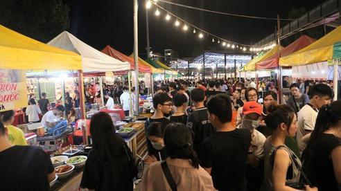 Khu vui chơi ở Đà Nẵng nhộn nhịp trong đêm đầu tiên trở lại trạng thái 'bình thường mới'