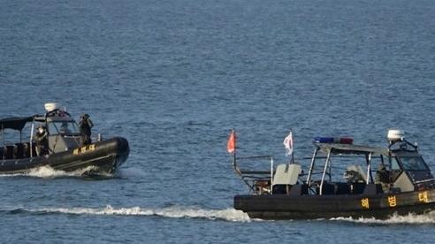 39 tàu Hàn Quốc tìm kiếm thi thể viên chức bị bắn chết