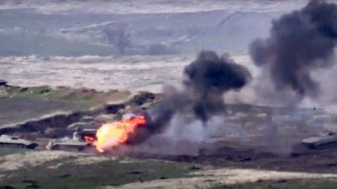 Armenia - Azerbaijan giao tranh ác liệt, bắn rơi cả trực thăng