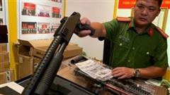 Hà Nội: Thu giữ hàng trăm khẩu súng nhựa có tính sát thương cao
