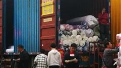 Đơn hàng giảm mạnh, lao động ngành dệt may Trung Quốc gặp khó