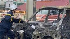 Tin tai nạn giao thông mới nhất ngày 28/9/2020: Xế sang tiền tỷ Range Rover bốc cháy trên cầu Chương Dương