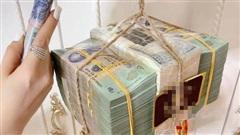 Gái xinh Sài Gòn khiến dân tình 'choáng váng' với màn rước đèn Trung thu hơn 3 tỷ đồng