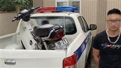 Xử phạt thanh niên bốc đầu xe máy rồi khoe trên mạng xã hội