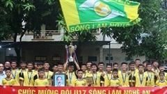Nghệ An: Nhà tài trợ và tỉnh thưởng nóng nhà vô địch U17 SLNA
