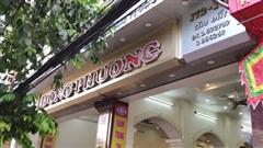 Hàng dài người xếp hàng từ 5h sáng tại 1 tiệm bánh Trung thu Hải Phòng: Công thức gia truyền 60 năm, bao bì thô sơ, chờ cả ngày vẫn về tay không