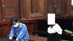 Hai vợ chồng vào tù vì đôi co với hàng xóm say rượu