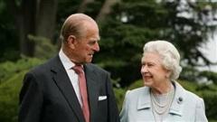 Vì sao các cặp đôi hoàng gia Anh thường không ngủ chung giường?