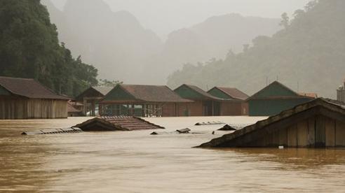 TP.HCM hỗ trợ 1,3 tỷ đồng cho 3 tỉnh miền Trung bị thiệt hại do bão lũ