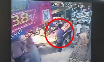 Thanh niên lái BMW sang chảnh nhưng vẫn trộm đồ trong siêu thị, biết lý do ai cũng sốc