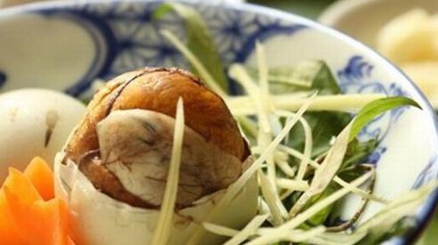 Ăn trứng vịt lộn với gừng và rau răm có tốt?