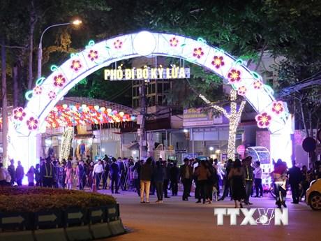 Phố đi bộ Kỳ Lừa tại thành phố Lạng Sơn chính thức hoạt động