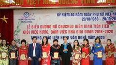 Tôn vinh các nữ 'chiến sỹ' áo trắng điển hình tiên tiến của BV Phụ sản Trung ương