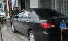 Tiền Giang: Lập biên bản, làm rõ vụ rao bán ô tô biển số xanh ngoài đường