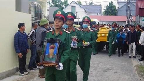 Truy thăng quân hàm cho chiến sĩ xả thân cứu đồng đội trong nước lũ