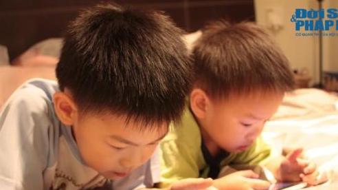 Con xem nội dung không phù hợp trên mạng xã hội: Đã tới lúc cha mẹ 'thiết quân luật'