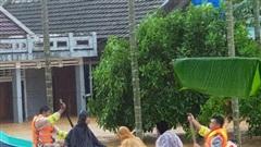 Lũ lớn ở Quảng Trị vượt lịch sử, báo động sạt lở đất