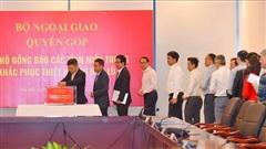 Bộ Ngoại giao quyên góp ủng hộ đồng bào miền Trung