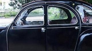 Đấu giá xe cổ của NSND Út Trà Ôn giúp đồng bào miền Trung