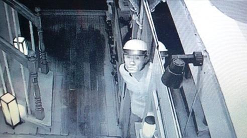 Tên cướp khống chế nữ chủ nhà, bắt xóa dữ liệu camera