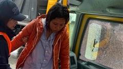 Hoà Minzy dùng xe cứu trợ chở thai phụ đi cấp cứu