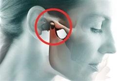 Thói quen nghe điện thoại này có thể khiến bạn mắc loại bệnh nhiều người mắc mà không biết