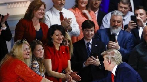 Lý do ông Trump thất thế so với đối thủ trên sóng truyền hình