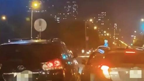 Làm rõ vụ hai ô tô rượt đuổi nhau trên đường Trần Duy Hưng