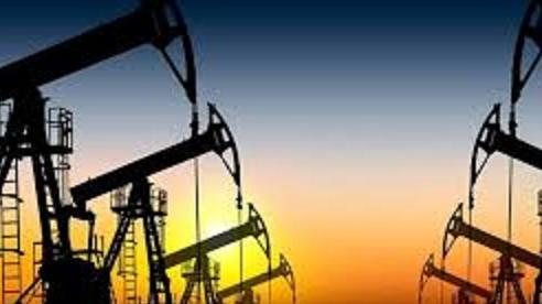 Giá xăng dầu ngày 20/10: Đà lao dốc vẫn chưa dứt