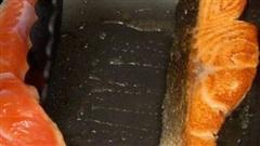 Điểm danh 3 sai lầm trong quá trình chế biến cá hồi có thể khiến chị em 'tiền mất tật mang', rước bệnh vào người