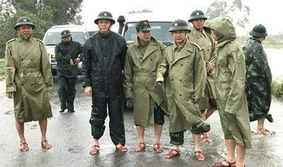 Nhà báo trong 8 người thoát nạn trở về từ tiểu khu 67:Đồng đội ơi, xin vĩnh biệt các anh!