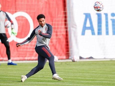 Tiền vệ Bayern Serge Gnabry dương tính với virus SARS-CoV-2