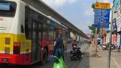 Làm gì để xe buýt 'thân thiện' với người dân?