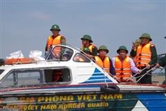 Bộ trưởng Bộ Nông nghiệp và Phát triển nông thôn kiểm tra công tác phòng chống, khắc phục hậu quả mưa lũ tại tỉnh Quảng Bình