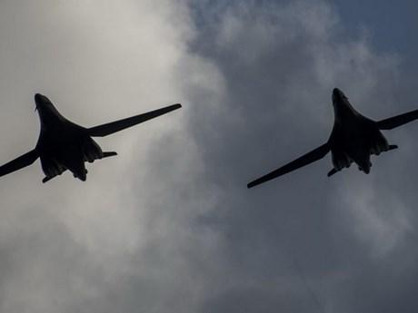 Tiêm kích của Nga chặn 2 máy bay ném bom của Mỹ trên Biển Bering