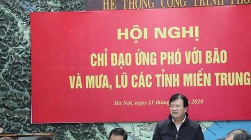 Phó Thủ tướng Trịnh Đình Dũng chủ trì cuộc họp về ứng phó thiên tai tại miền Trung