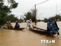 Lãnh đạo Trung Quốc, Singapore thăm hỏi tình hình lũ lụt ở Việt Nam