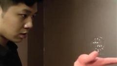 Tâng bong bóng xà phòng, nam thanh niên lập kỷ lục thế giới