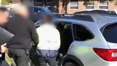 Australia bắt giữ 44 đối tượng lạm dụng trẻ em