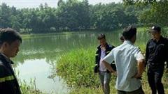Bình Dương: Người đàn ông tử vong trong lúc xuống hồ nhặt cano cho cháu