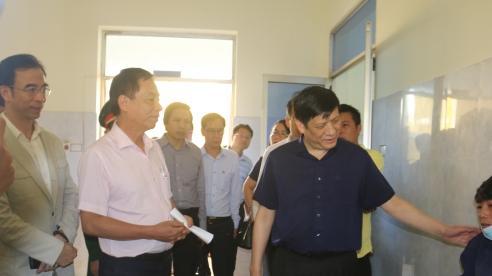 Quyền Bộ trưởng Nguyễn Thanh Long kiểm tra công tác khắc phục hậu quả mưa lũ tại BVĐK Lệ Thuỷ- Quảng Bình