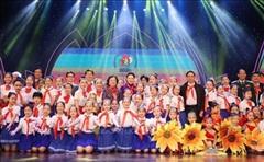 Chủ tịch Quốc hội Nguyễn Thị Kim Ngân dự Lễ Tuyên dương Cháu ngoan Bác Hồ toàn quốc lần thứ IX