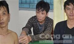 3 tên chạy xe từ Sài Gòn xuống Bến Tre cướp giật, bị vây bắt tại trận