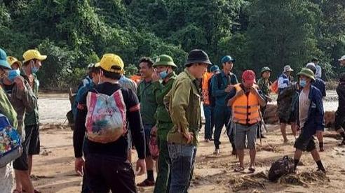 Sạt lở núi vùi lấp lán trại ở Quảng Bình: Tìm thấy thi thể 3 anh em ruột